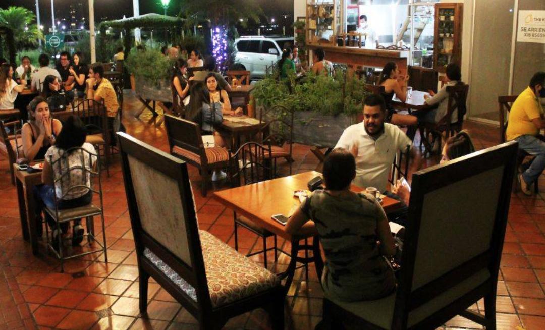 Protestas hunden a restaurantes que buscaban levantar cabeza en la pandemia